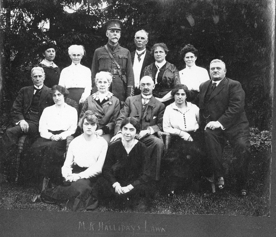 Group portrait on M.A. Halliday Lawn, Chesley, including Col. Weir, 1916